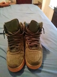 pair of brown Nike Air Force 1 high Mobile, 36609