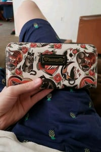 Loungefly wallet barely used Fresno, 93704