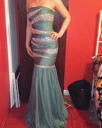 Beautiful turquoise sequence dress in good condition  Toronto
