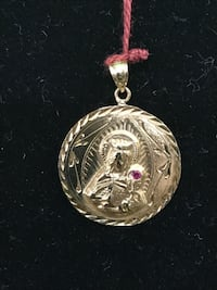 Mother Mary Red Stone Gold Round Pendant 14K Yellow Gold 3.4g 73107
