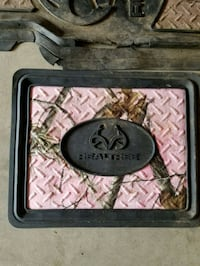 pink and black Realtree car mat Corinna, 04928
