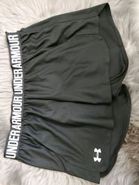 Size M under armour  Richmond, V6Y 2R7