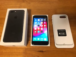 Mint Condition Apple iPhone 7 Plus 256 GB + Box+Case+Protector+Charger