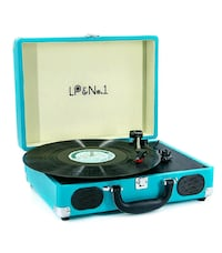 Suitcase Bluetooth Turntable/Record Player NEW IN BOX ½ RETAIL