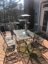 Table & Chairs and a fire pit  Sterling, 20165