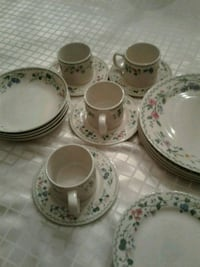 english garden dishes set of 4 place settings price is firm Kitchener, N2E