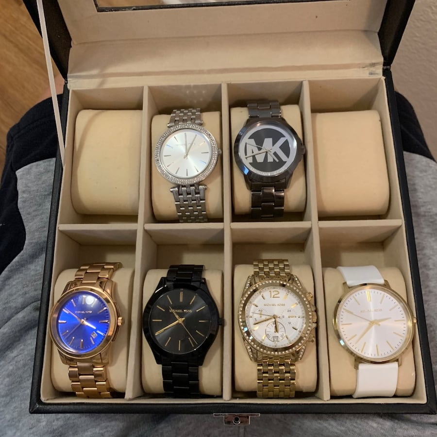 Beautiful Michael Kors watches!! Good condition! Normal wear