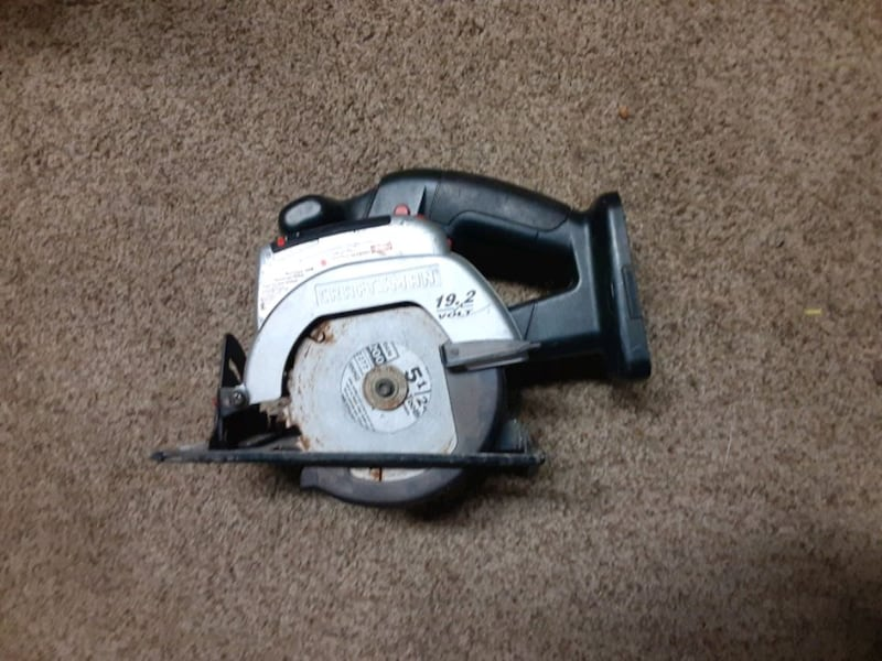 Craftsman Portable 19.2 Volt 5 1/2 Inch Circular Saw   0