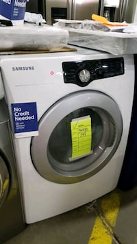 Samsung electric dryer 27inches.  Queens