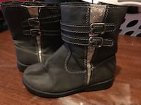 Toddler girls size 9 Carters grey boots Michigan City, 46360