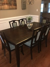 Dining Room Table null
