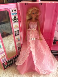 Barbie Closet Case, Barbie, clothes and shoes Charles Town, 25414