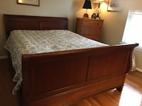 Thomasville Cherry Sleigh Bed Queen FAIRFAX