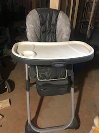 baby's white and gray Graco high chair Edmonton, T6L