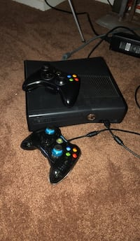 Black xbox 360 console with controller Capitol Heights, 20743