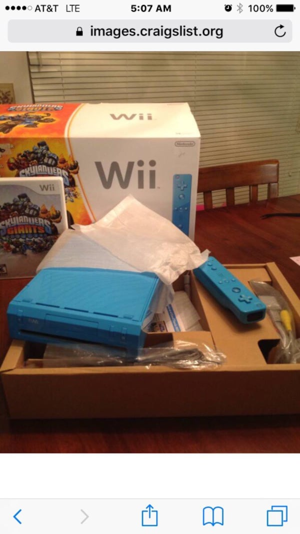 Blue Nintendo Wii plus Figure Bundle 2