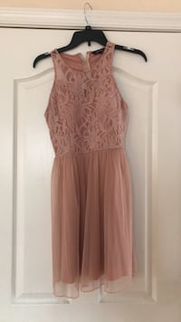 Women's pink sleeveless dress