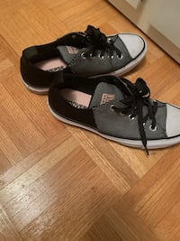 Converse all stars women's size 6.5 worn once  Toronto, M6A