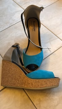 pair of blue peep-toe platform stilettos Vaughan, L6A 1E8