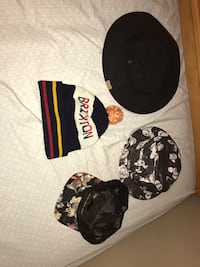 Assorted hats/beanies Powell, 37849