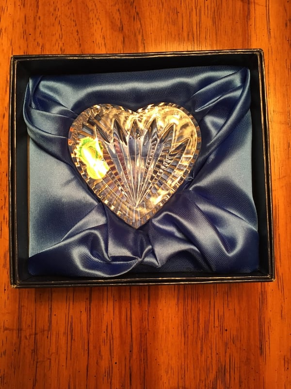 Vintage Waterford Crystal Heart NIB 54c625f6-1c5f-49c2-a425-d4570587b2b2