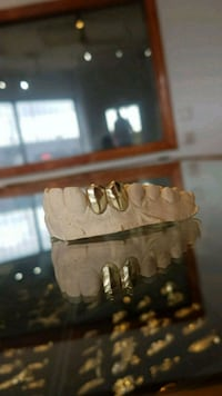 2 DUBS GRILLZ AVAILABLE IN ROSE,YELLOW& WHITE GOLD Toronto, M1K 1N8