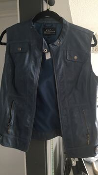 Stampede must have.Size S leather vest.Brand new Calgary, T3E