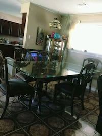 Dining table and chairs click more details.. Houston, 77007
