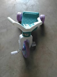 children's white, purple and teal plastic trike Navarre, 32566