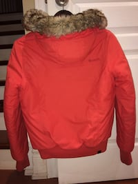Bench winter coat size small fits medium as well  525 km
