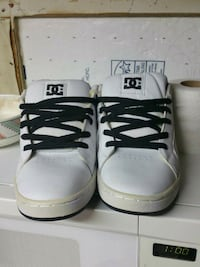 Pair of DCs size 8.5 Henderson, 89002