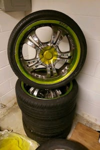 "20"" bigg  rims needs 1 tire 255/35zr20  Capitol Heights, 20743"