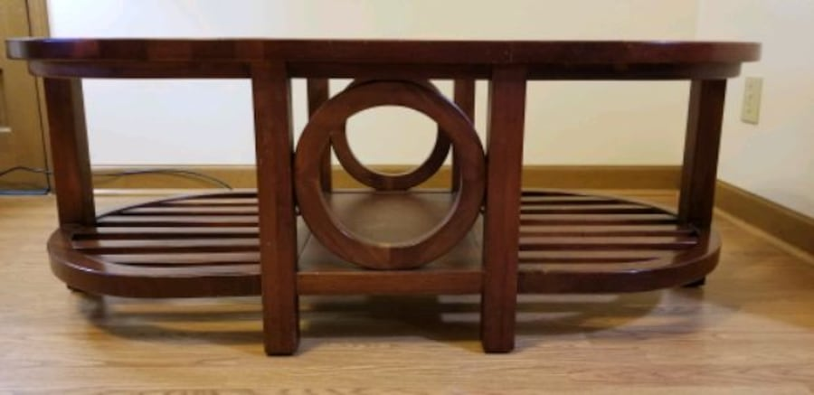 Coffee table solid wood and glass 17566181-e5c6-4068-9d4c-f206c03e1ba1
