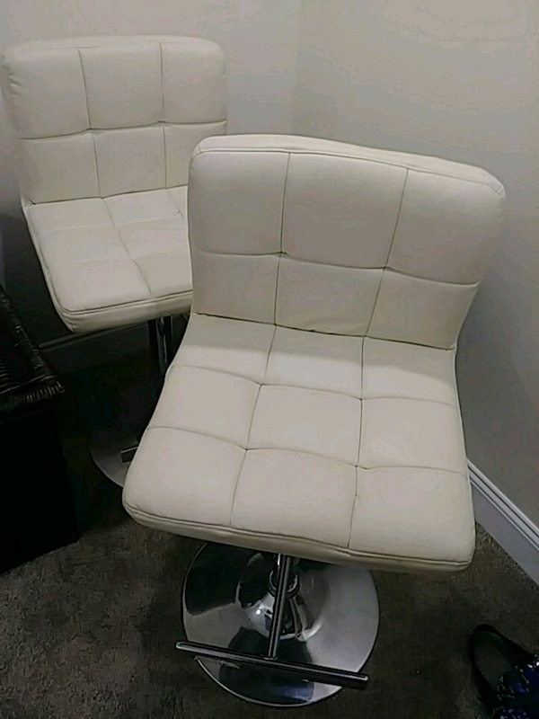 Magnificent 2 Leather Salon Chair White Chrome New Cond Dailytribune Chair Design For Home Dailytribuneorg