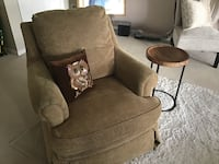 Basset Gold tone rocking chair in  Good condition Frederick, 21702