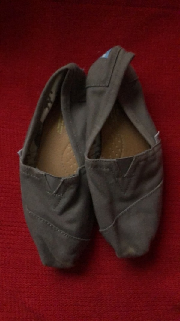 Toms size 6.5 0