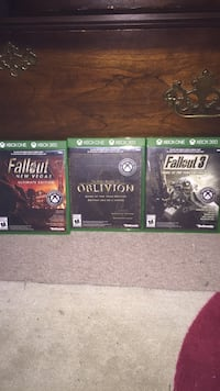 two Xbox One game cases Kitchener, N2A 1R3