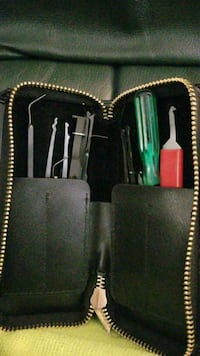 black and green leather tote bag Surrey, V3R