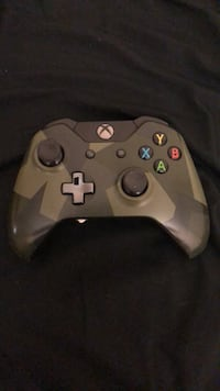 black and gray Xbox One controller Fayetteville, 28310
