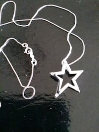 Star neckless with 5 diamonds Guelph, N1E 4B9