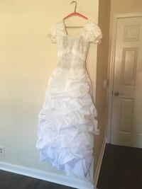 Wedding/bridal dress Nashville, 37217