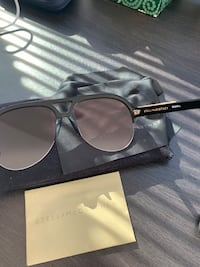 Stella McCartney sunglasses in great condition with guarantee certificate and original cloth  Washington, 20002