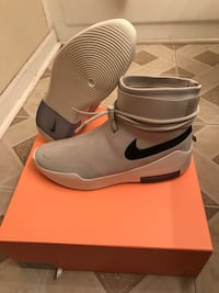 "Nike Air Fear of God Shoot Around ""Light Bone"" - Size 12 Laurel"