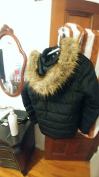black and brown fur jacket Salaberry-de-Valleyfield, J6S 3J2
