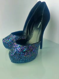 Size 7 gorgeous sparkly New Year's Eve heels.  Brand new, never worn. Waterloo