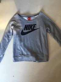 Sweat gris nike  Beaumont-lès-Valence, 26760