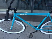 Fixie, thick slick tires, 9.5/10 condition message for more details on the bike 539 km