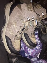 Hiking boots size 7