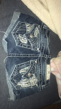 Miss me shorts size 12  Pace, 32571