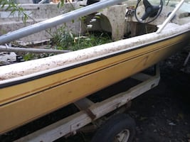 Project Boat outboard motor & Trailer incl.